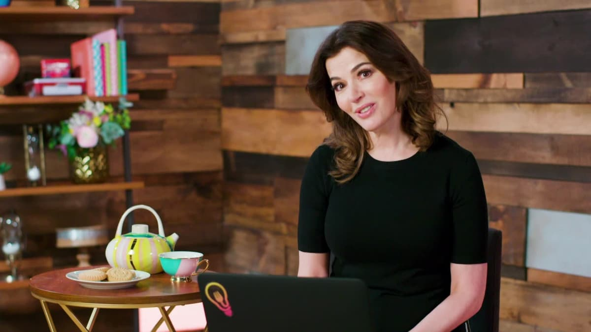 Nigella answers cooking queries and translates some common British dishes.